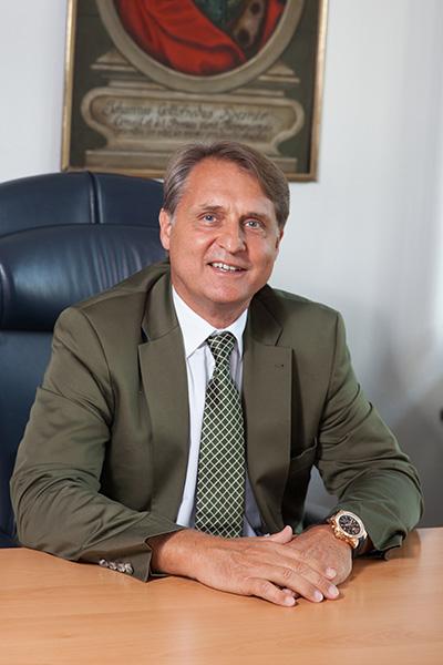 Senator H.c. Dipl. BW. H. H. Peter Rösner